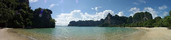 Railay Beach: Rai-Leh west beach southern panorama