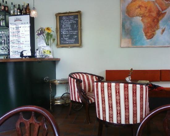 Weltempfanger Backpacker Hostel & Cafe: bei der Theke