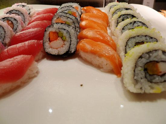 Heat, Edsa Shangri-la: Eat-all-you-can sushi