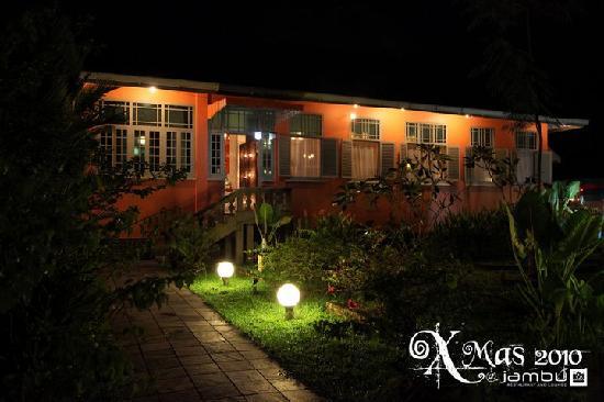 Jambu Restaurant and Lounge: Jambu by night