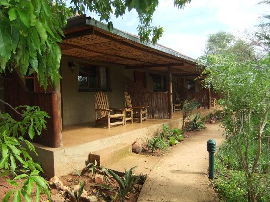 Kubu Safari Lodge: Zimmerblock