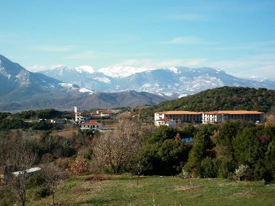 Doupiani House Hotel: view from Doupiani house Balkoni Koziakas mountain