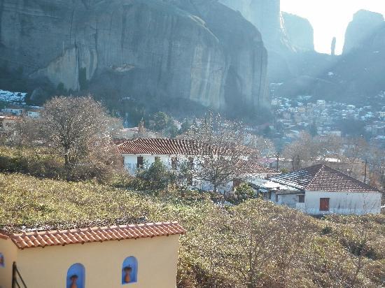 Doupiani House Hotel: view from Doupiani house Balkoni Meteora