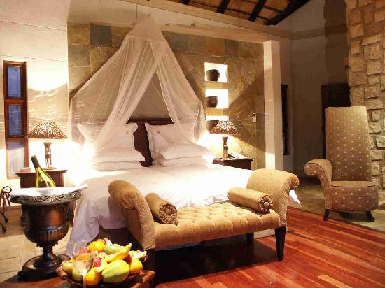 Shumbalala Game Lodge: The Suites