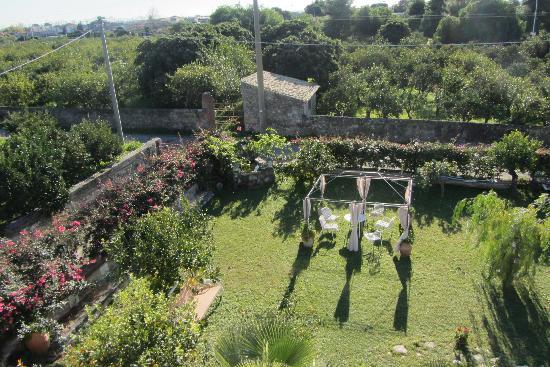 una parte del giardino della Capanna di Giuseppe