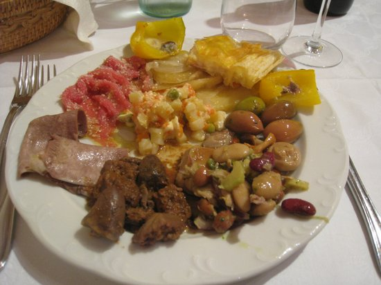 Oleggio, Ιταλία: Mix di antipasti a buffet