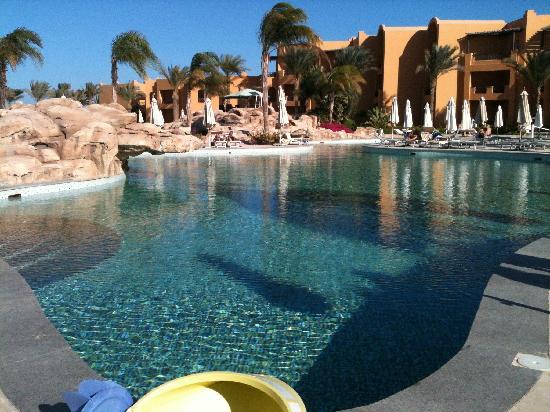 Stella Di Mare Beach Resort & Spa Makadi Bay: vue de la terrasse ou est servi le petit déjeuner