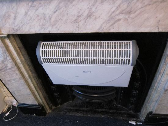 Belgravia Rooms: Heater