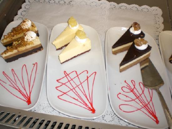Delphin Palace Hotel: Bar Cakes