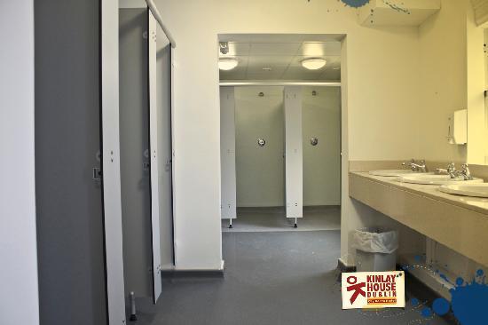 Kinlay House: Bathrooms
