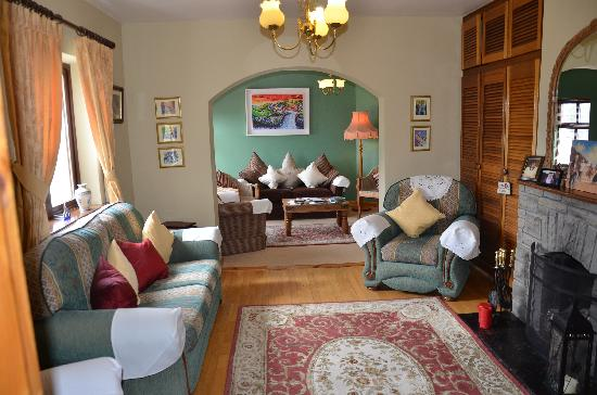 Daly's House: Susan's warm & welcoming parlor