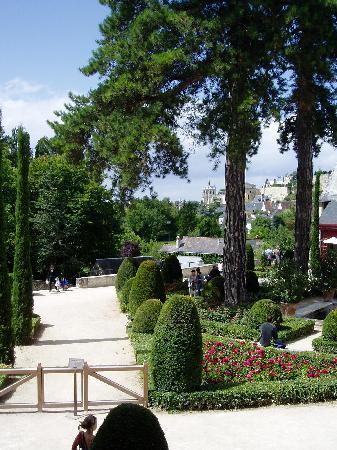 Les Petites Cigognes: Clos Lucé at Amboise, home of Leonardo de Vinci