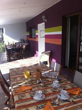 Cape Khamai Guest House : breakfast on the veranda, nice selection