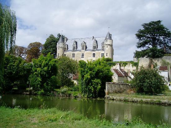 Les Petites Cigognes: Chateau de Montrésor
