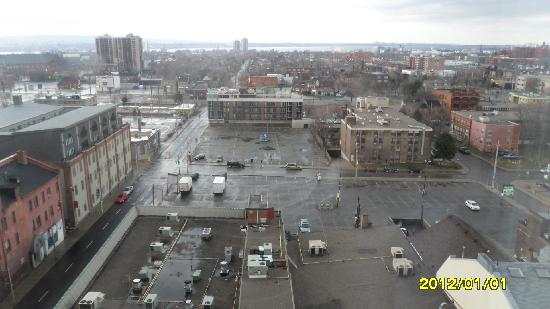 Hamilton Plaza Hotel and Conference Center: View from Room 811