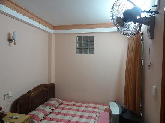 Madam Cuc 184: Room