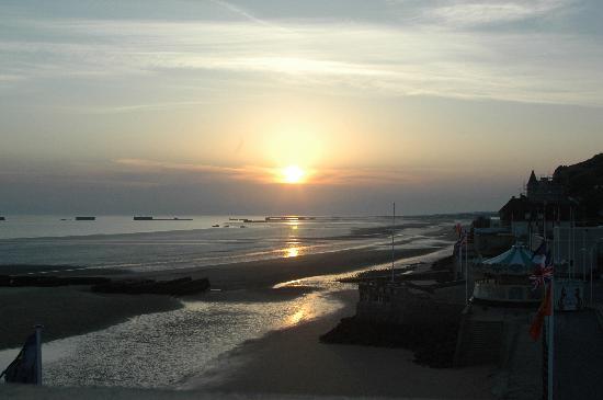 Hotel de la Marine: sunrise