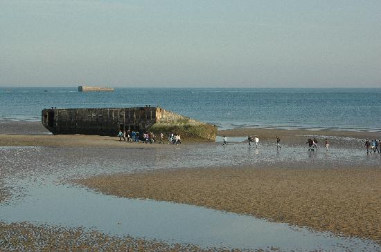 Hotel de la Marine: Reminder of Mulberry harbour