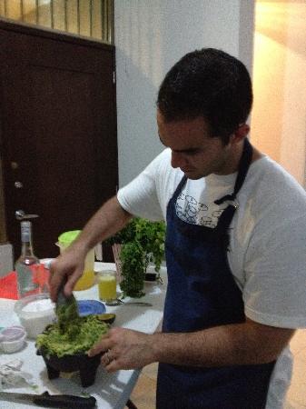 Food Motion Cooking Workshops: Making guac