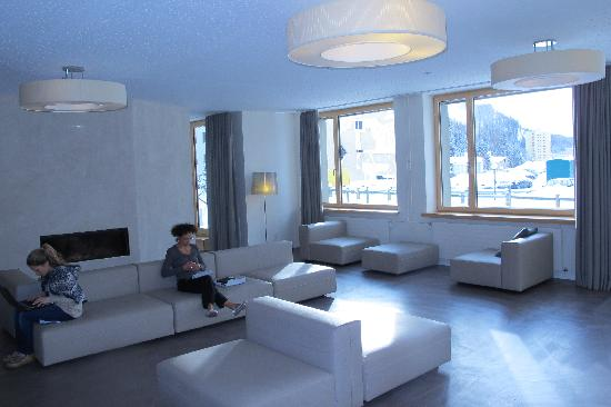 St. Moritz Youth Hostel: Lounge
