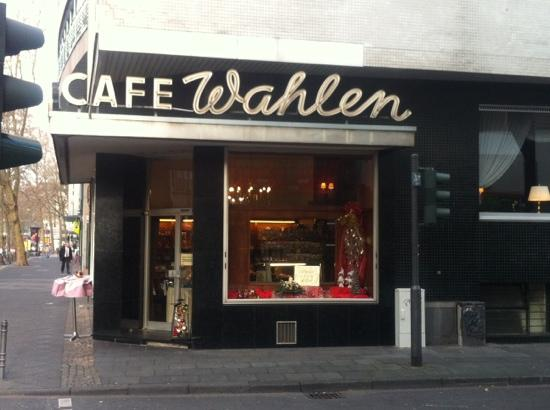 Cafe Wahlen: a classic