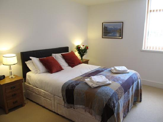 Bridge Street Apartments: bedroom 401