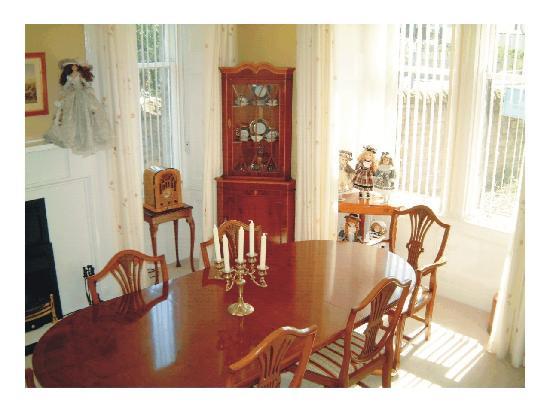 Schiehallion Guest House: Guest dining room at Schiehallion