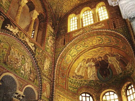 Basilica San Vitale : The mosaics in San Vitale