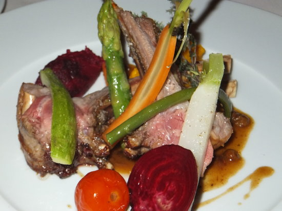 La Villa Blanche: rack of lamb main dish