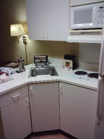 Extended Stay America - Chicago - Buffalo Grove - Deerfield: So nice having a stove and fridge in the unit!