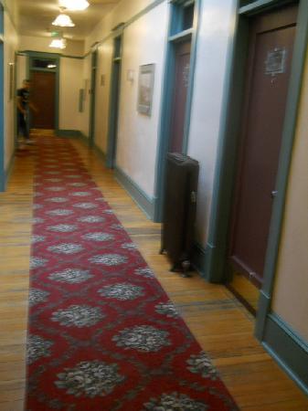 Hood River Hotel: hallway 3rd foor