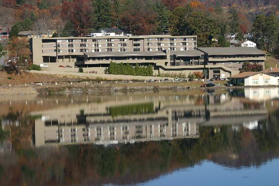 Lake Junaluska Conference and Retreat Center: The Terrace Hotel at Lake Junaluska