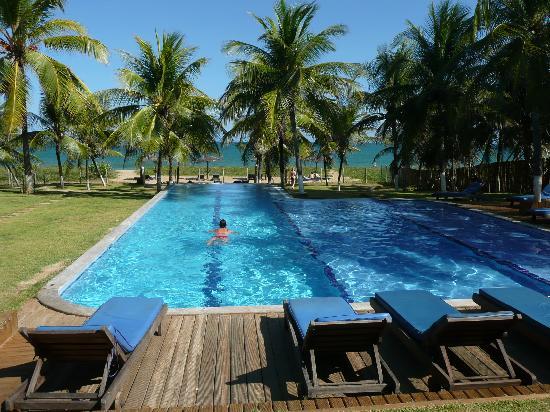 Itacimirim, BA: The main swimming pool