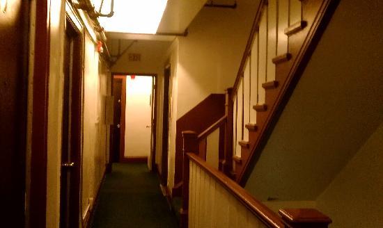 Taylor Hotel: Inside hotel.