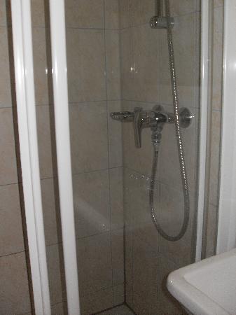 Hotel City Garden Amsterdam: ..ma doccia molto spaziosa
