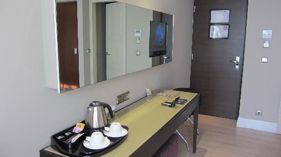 Y Hotel: Room entrance