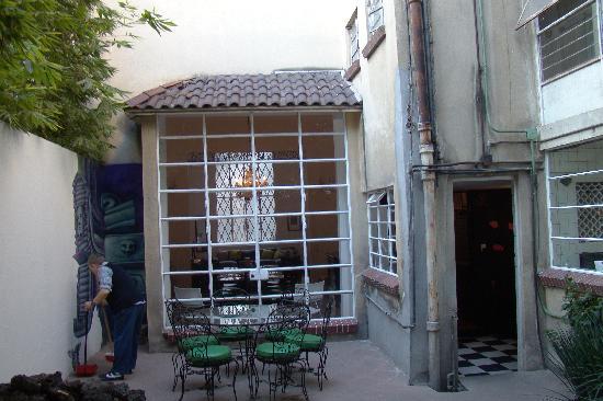 Casa Comtesse: Back yard