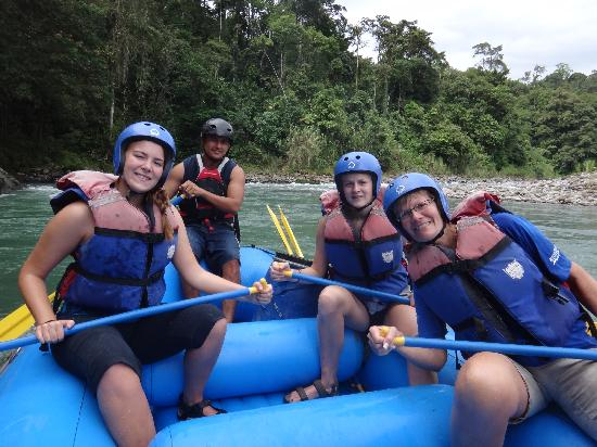 Travel Around Costa Rica Transportation and Guides: White Water Rafting