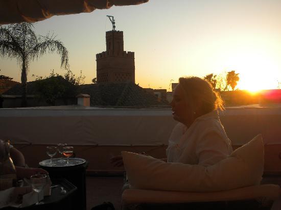 Dar Zelda: Sunset on the terrace