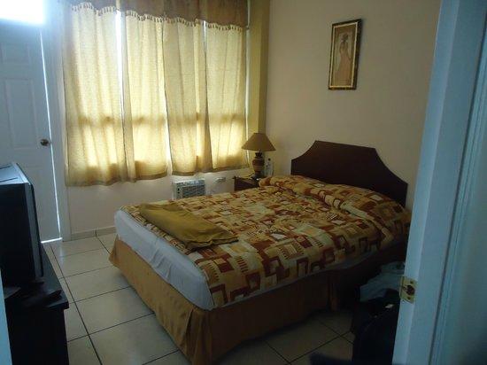 Aparthotel ROS: cuarto