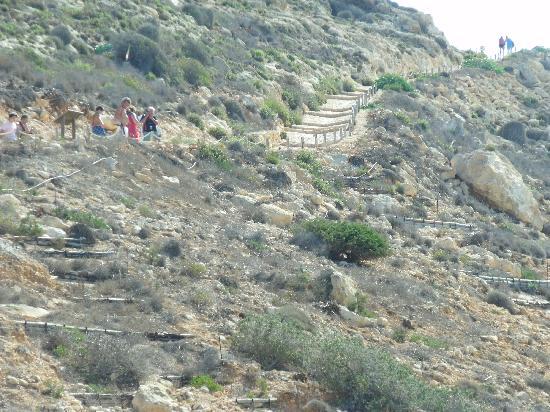 Lampedusa, Italia: percorso pedonale per accedere a spiaggia dei conogli