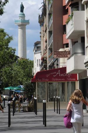 Hotel du Printemps: vue en bas de l(hôtel