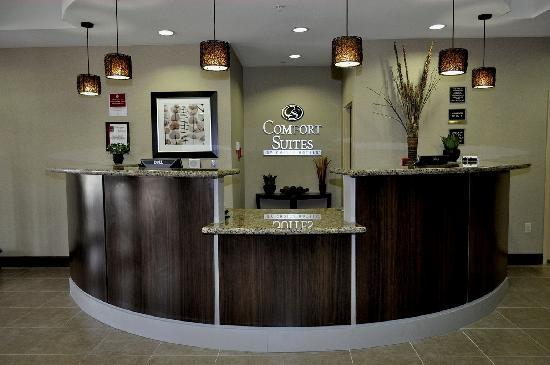 Comfort Suites : Front Desk area