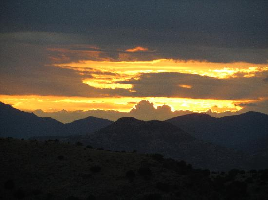 Davis Mountains State Park: Watching the sun set in the park
