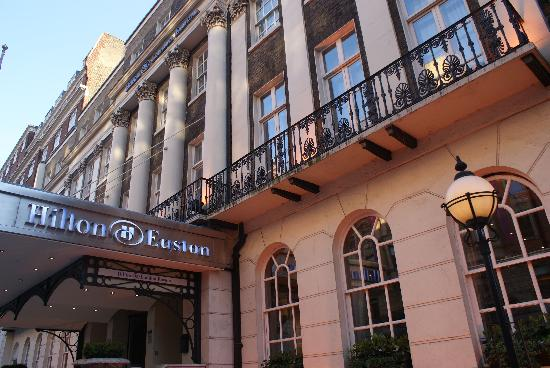 Hilton London Euston: Aussenansicht Hotel