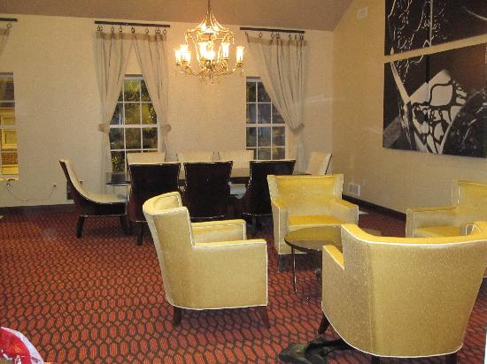 Fairfield Inn & Suites Baltimore Downtown/Inner Harbor: dining rm
