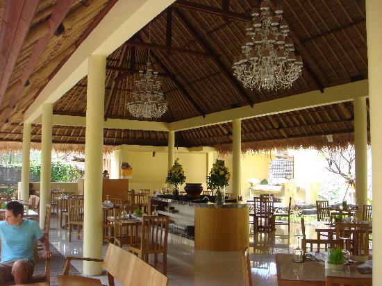 Komaneka at Rasa Sayang: hotel restaurant