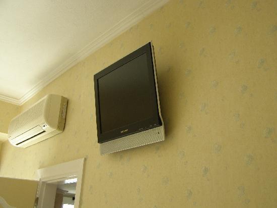 Hotel Arma: TV