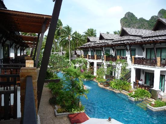 piscine picture of railay village resort railay beach. Black Bedroom Furniture Sets. Home Design Ideas