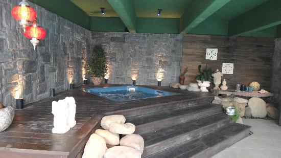 Hotel Casa da Montanha: Cantinho da hidromassagem